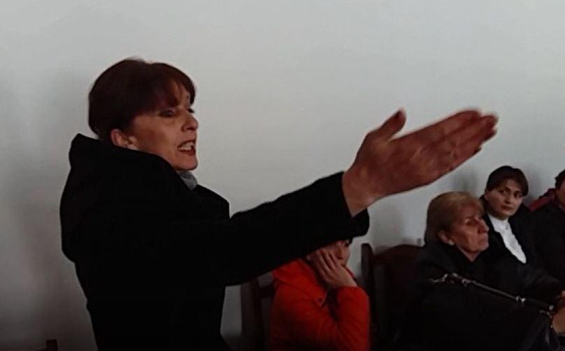 ლენტეხის მუნიციპალიტეტის თვითმმართველობას ნეპოტიზმში ადანაშაულებენ