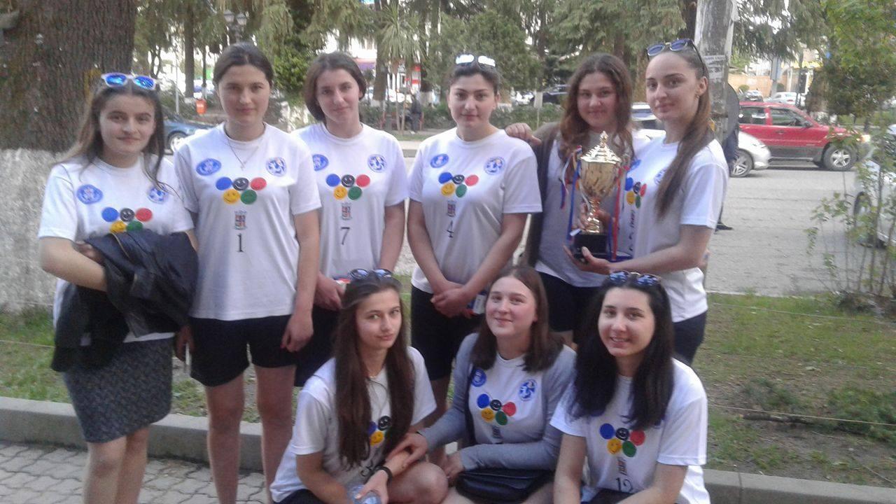 სასკოლო ოლიმპიადის რეგიონული ეტაპი ფრენბურთში ნაკრის გოგონათა გუნდმაც მოიგო