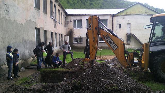 ჩოლურის საჯარო სკოლის მოსწავლეებმა მშობლიურ სკოლაში წყალი შეიყვანეს